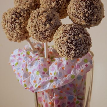 Walnut Chocolate Dream Cake Bite Pop
